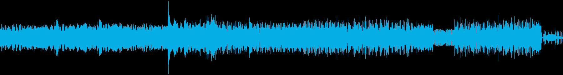 ヘヴィ、グイグイ、パワフルなメタル交響曲の再生済みの波形