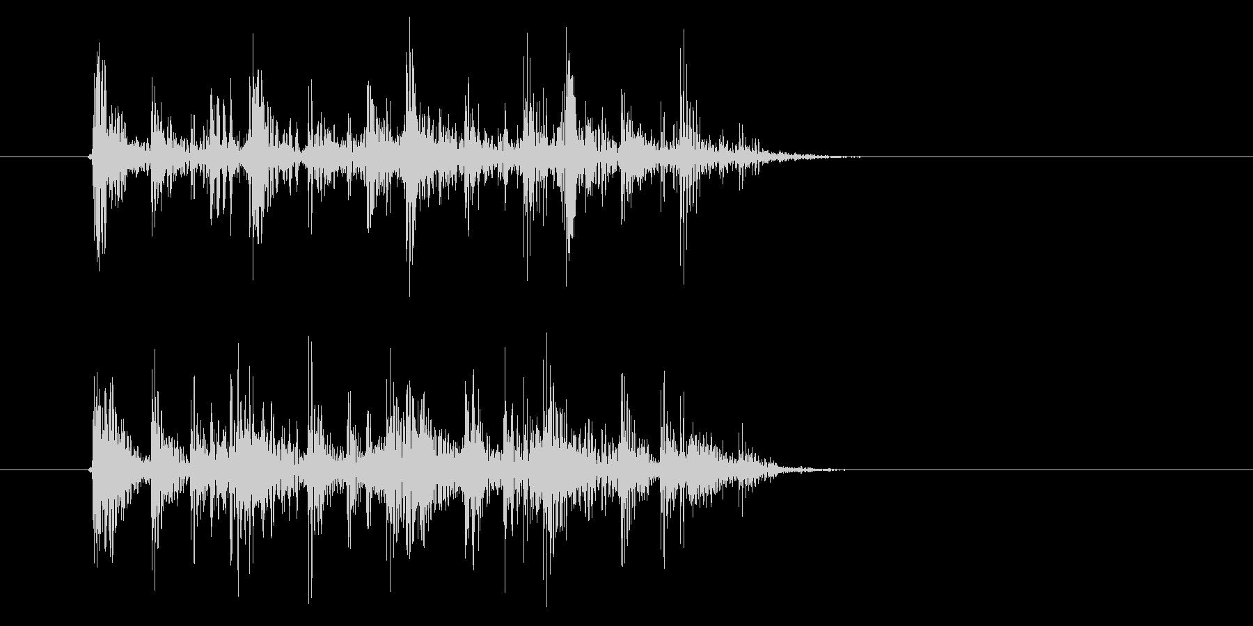 激しくミステリアスなテクノ音楽の未再生の波形