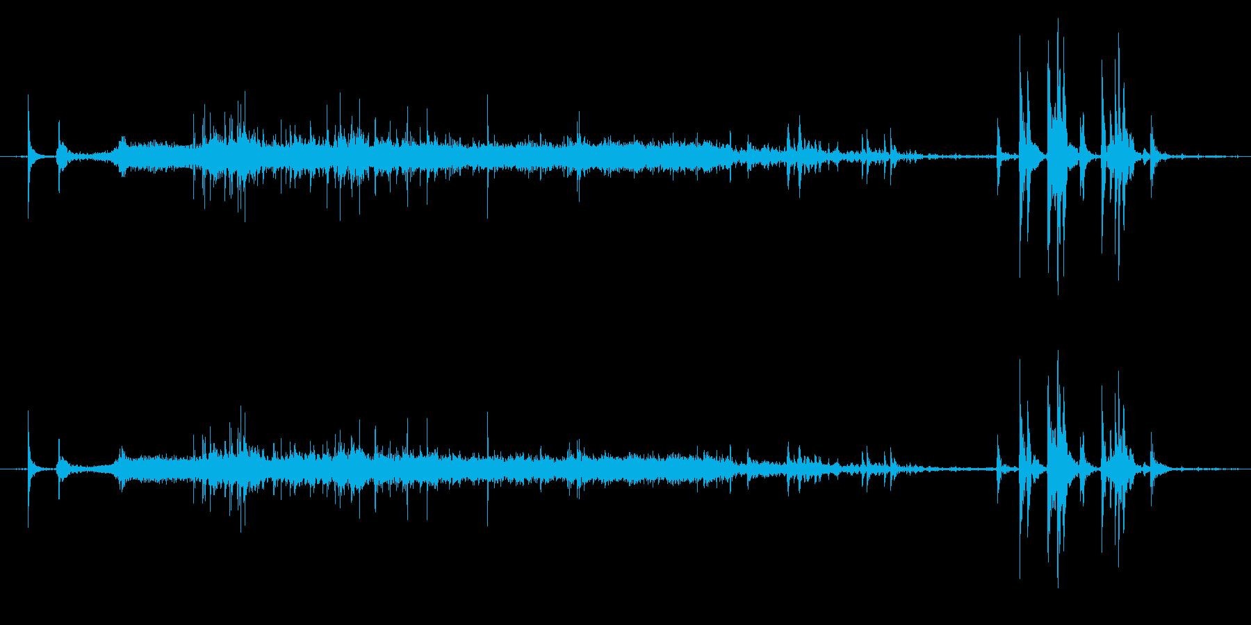 ジャー 洗面所の水が流れる音の再生済みの波形