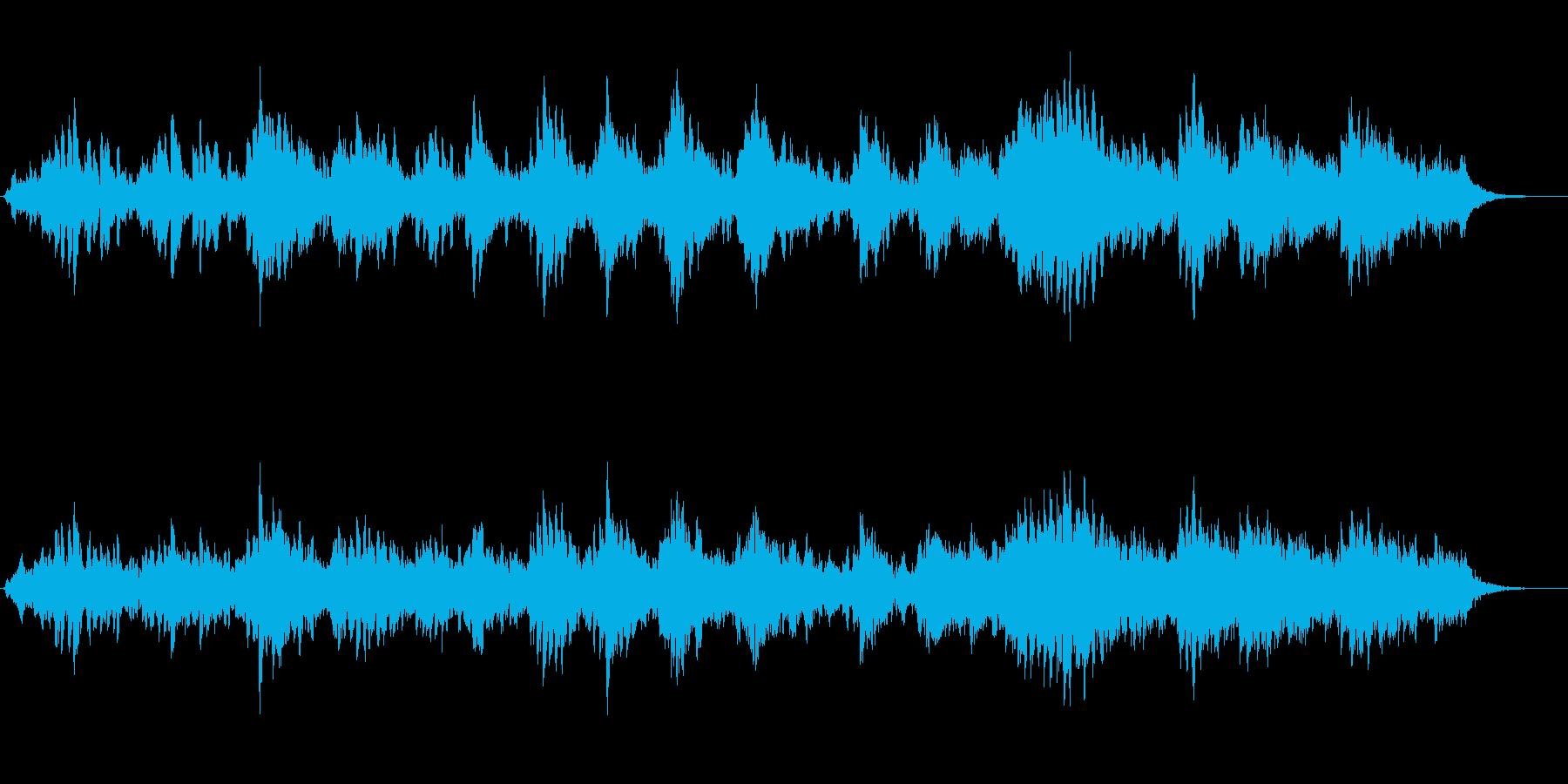 ピアノとシンセパッドの幻想的なジングルの再生済みの波形