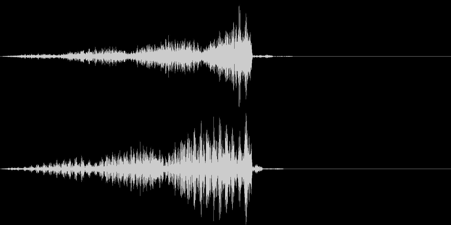 緊張のうねりの未再生の波形