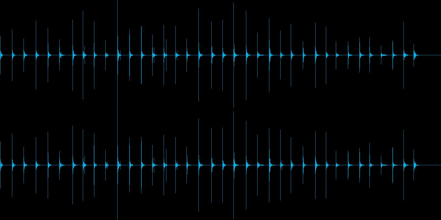 ハイヒールで歩く足音の再生済みの波形