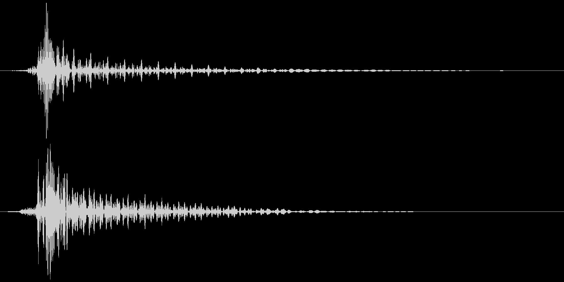 弓矢が刺さる (トッ、ビィィィン) Bの未再生の波形