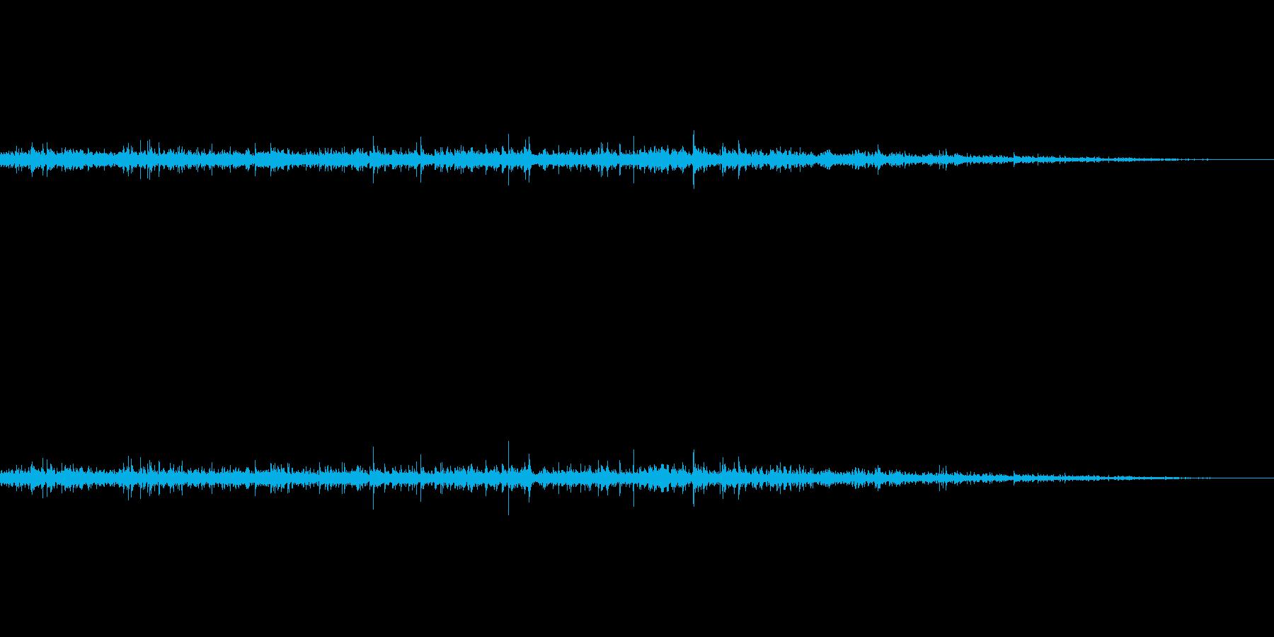 夏の台所での水道水(ちょろちょろ)の再生済みの波形