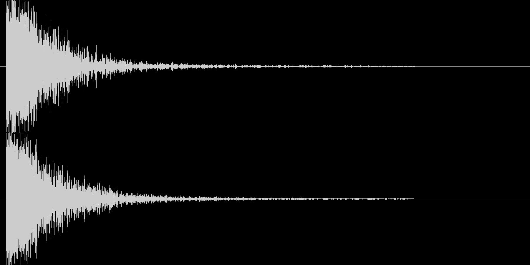 巨大な物体がすぐそばを通過していく音の未再生の波形