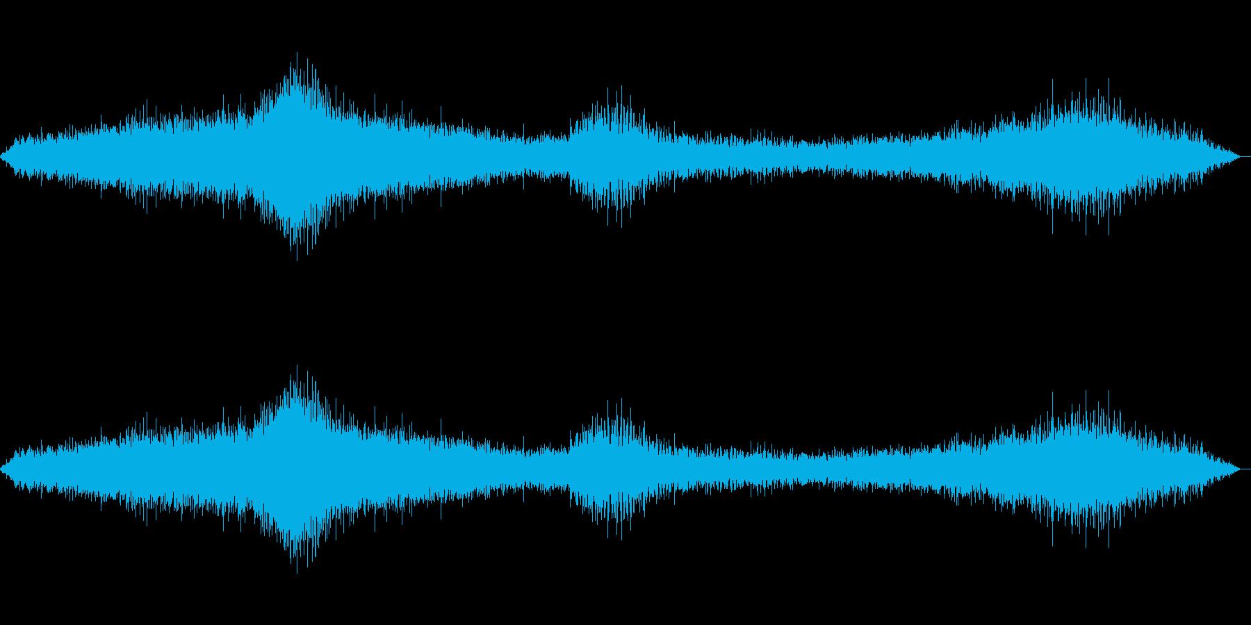 車やバイクが行きかう音の再生済みの波形
