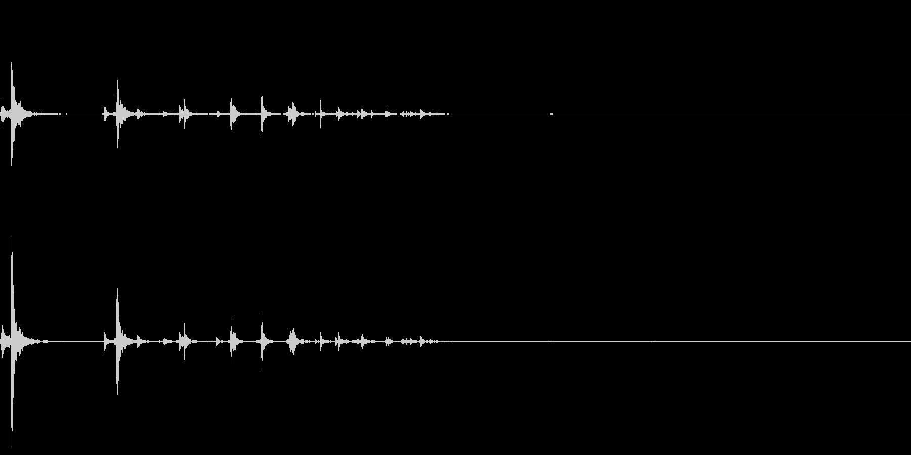 鉛筆が転がるの未再生の波形