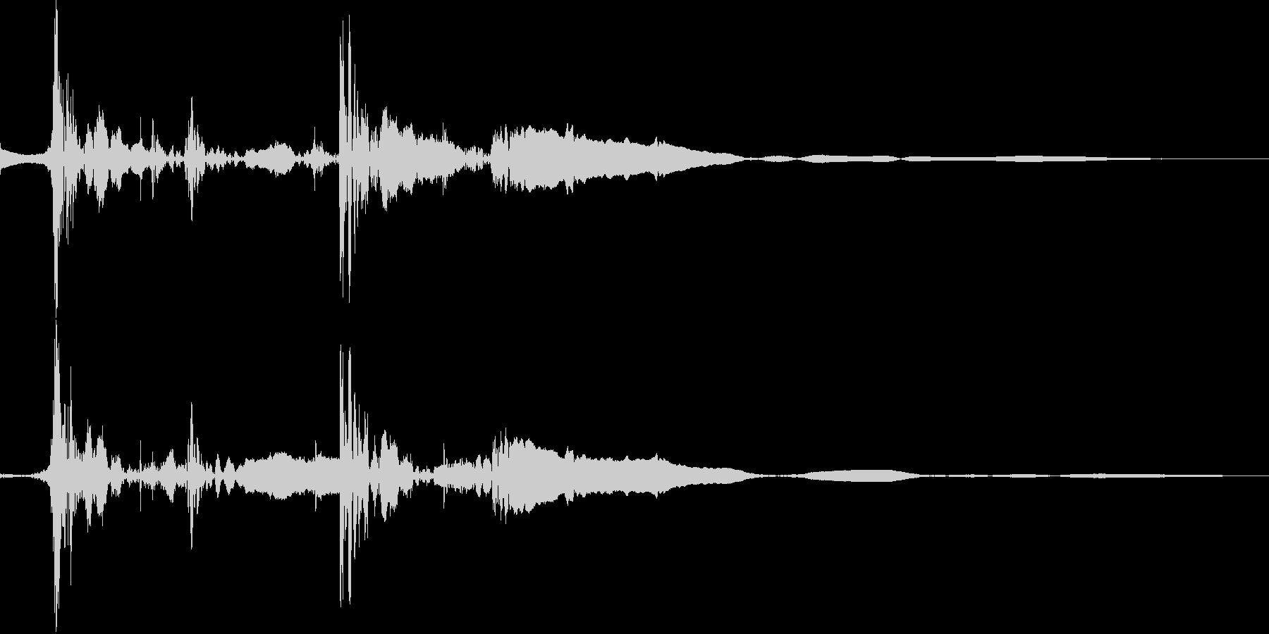 ジャンプの着地(スタッ)の未再生の波形