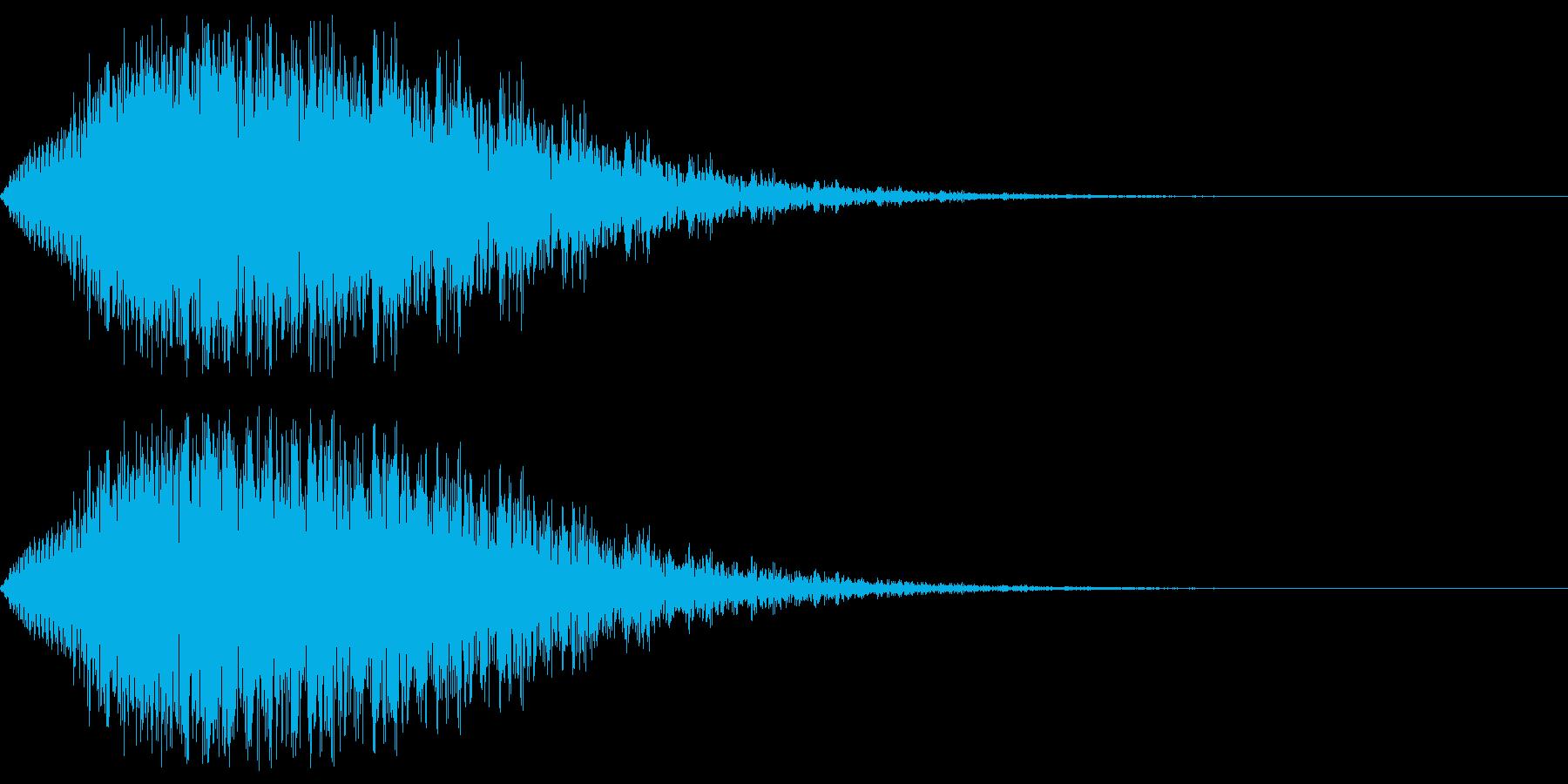 奇妙なピアノの低音の再生済みの波形
