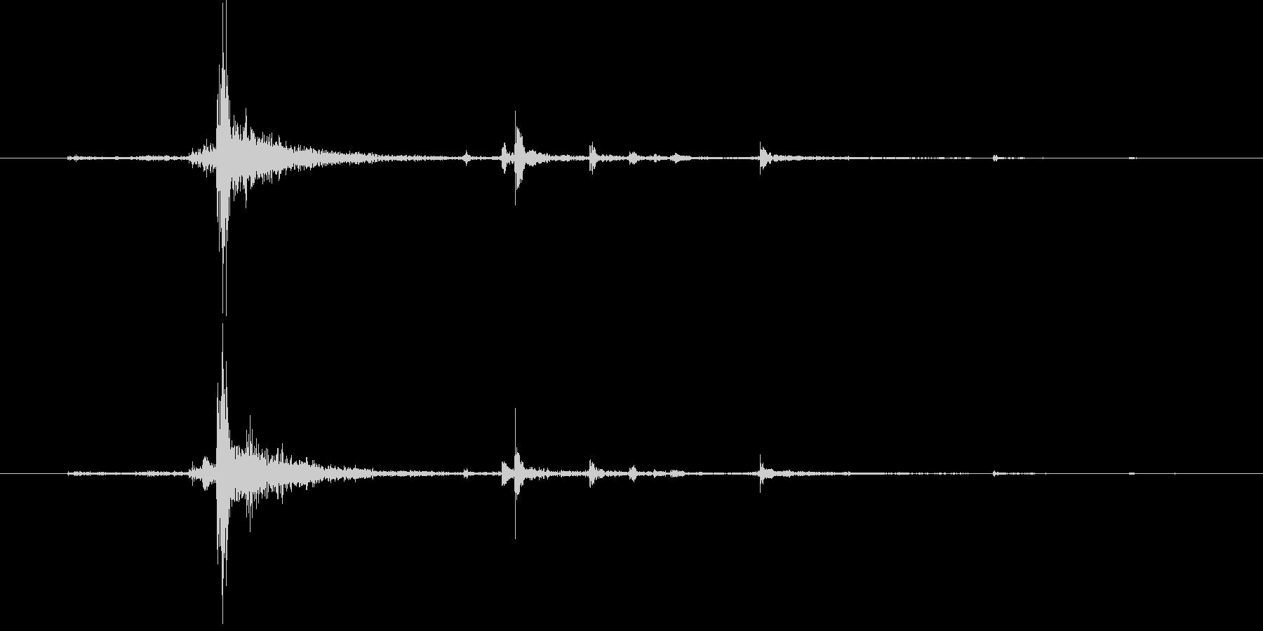 水面に何かを投げて落とした音チャポン4の未再生の波形