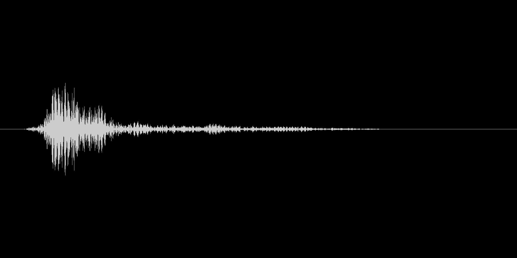 ブンッ。武器を振る音です(1)の未再生の波形