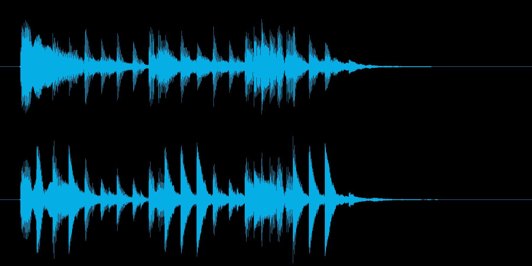 ミディアムテンポなテクノポップのジングルの再生済みの波形