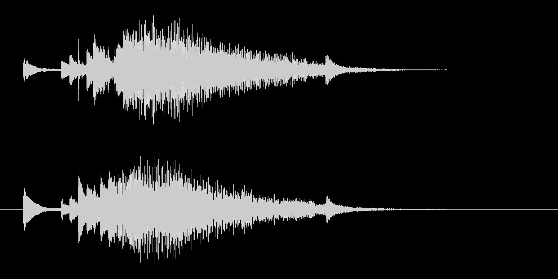広がるようなジングル。ピアノから壮大に。の未再生の波形