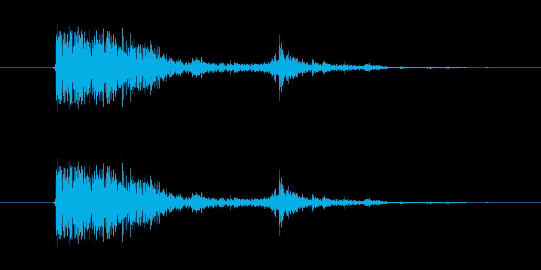 ザザッ、ザシュッ(鈍い刺す音)の再生済みの波形