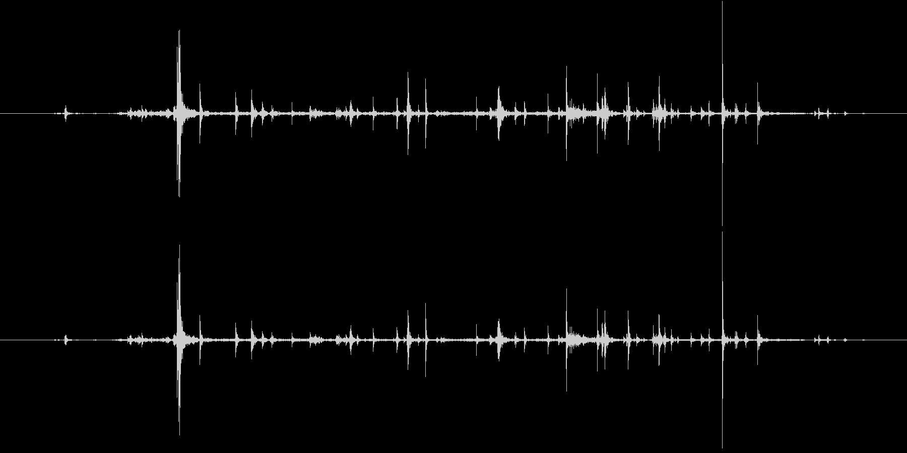 紙 カサコソ1の未再生の波形
