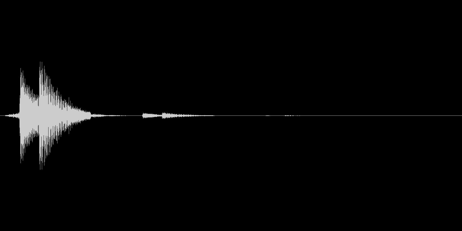 ピッ(軽めのボタンクリック音)の未再生の波形