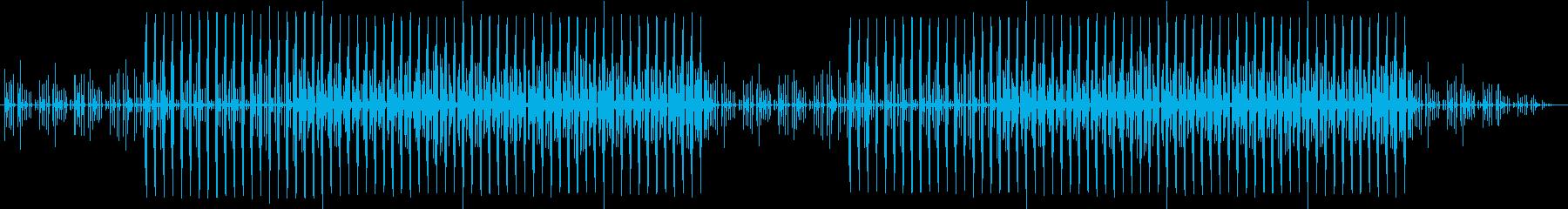 軽快なリズムの楽曲の再生済みの波形