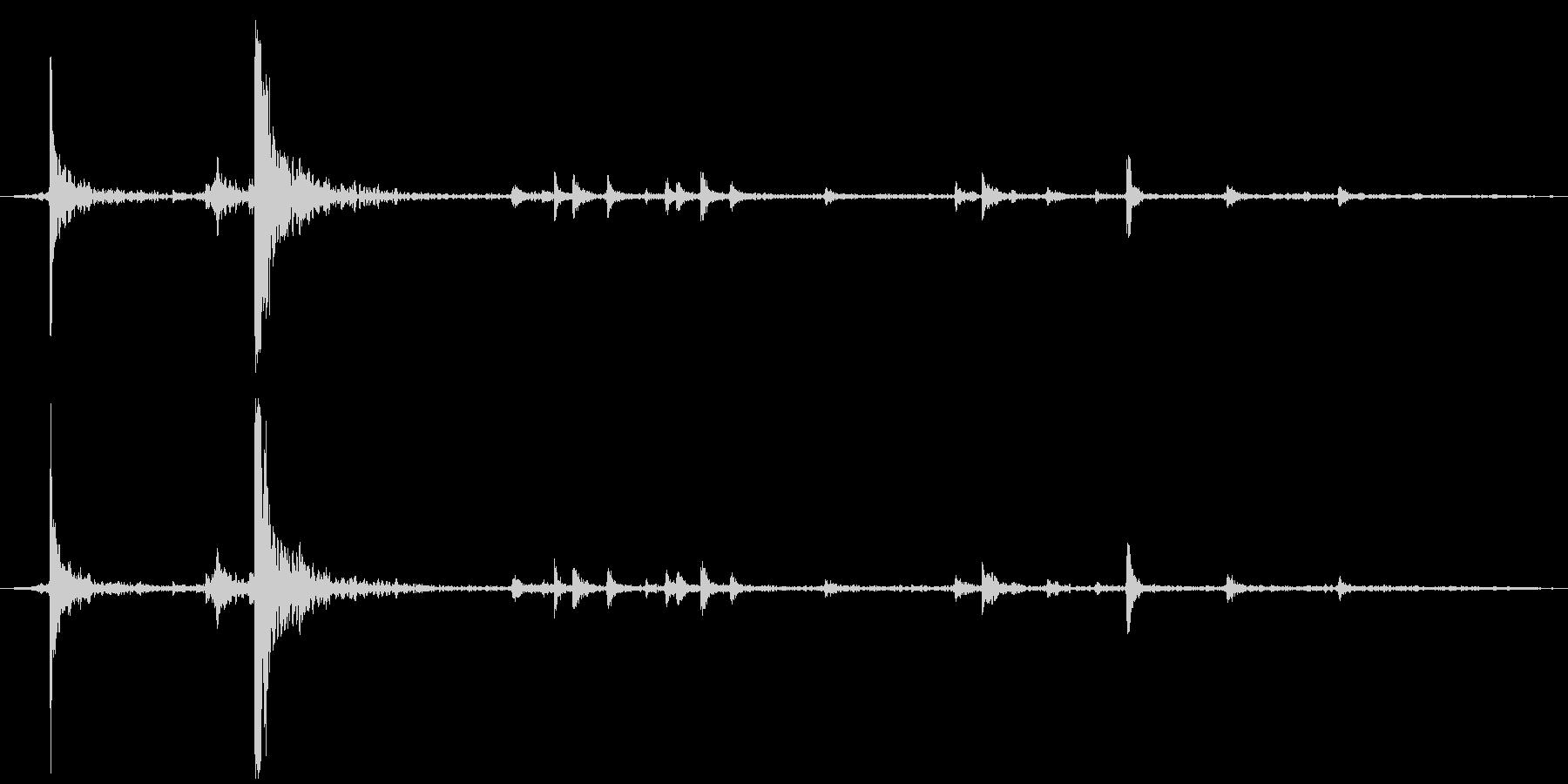 蛍光灯点灯 紐を引っ張るの未再生の波形