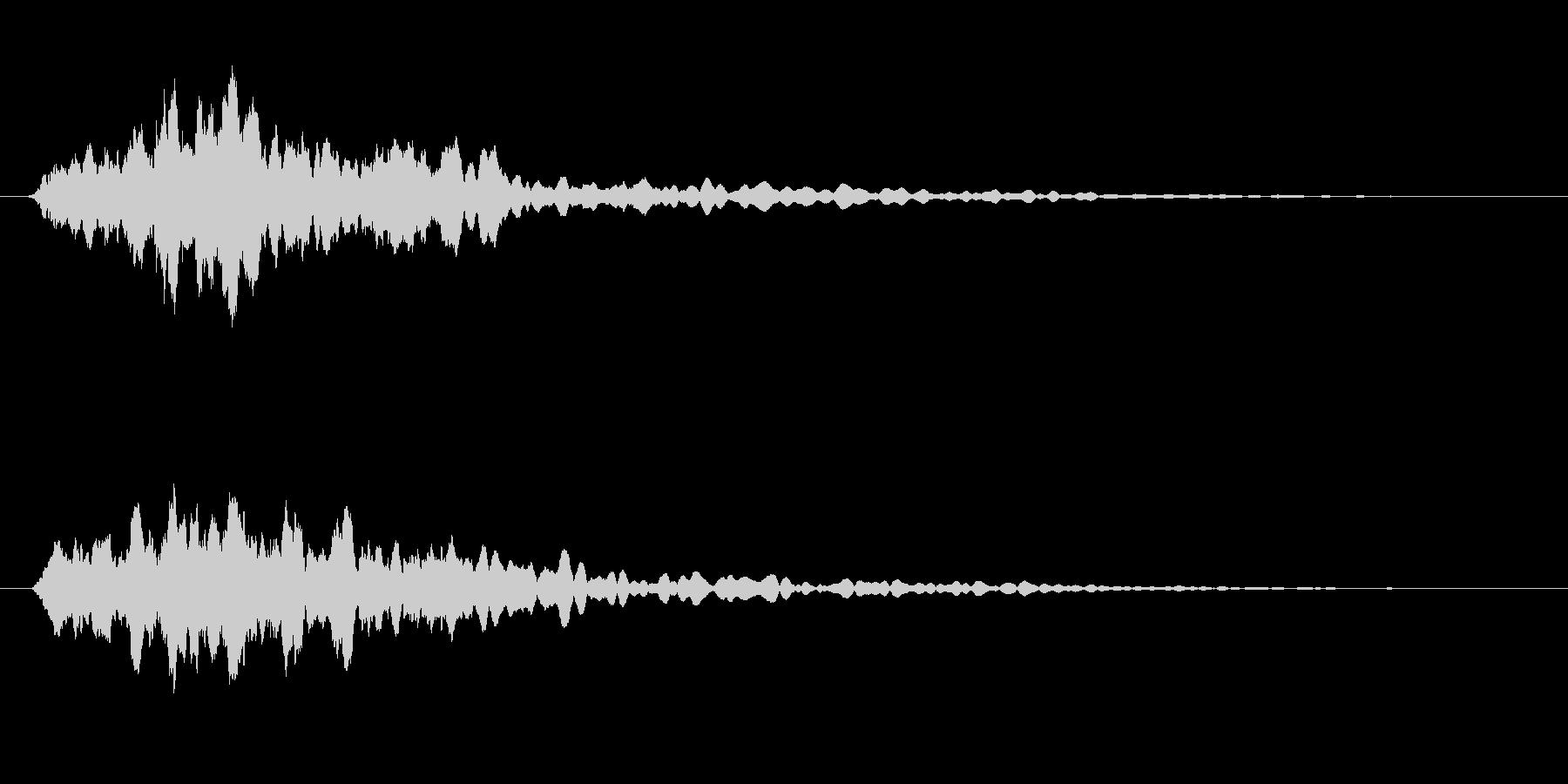 チリリリリンと同時に小さい物音がなる音の未再生の波形