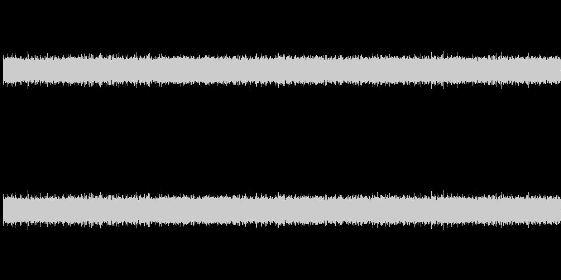 ザー、というノイズ音です。ラジオからサ…の未再生の波形