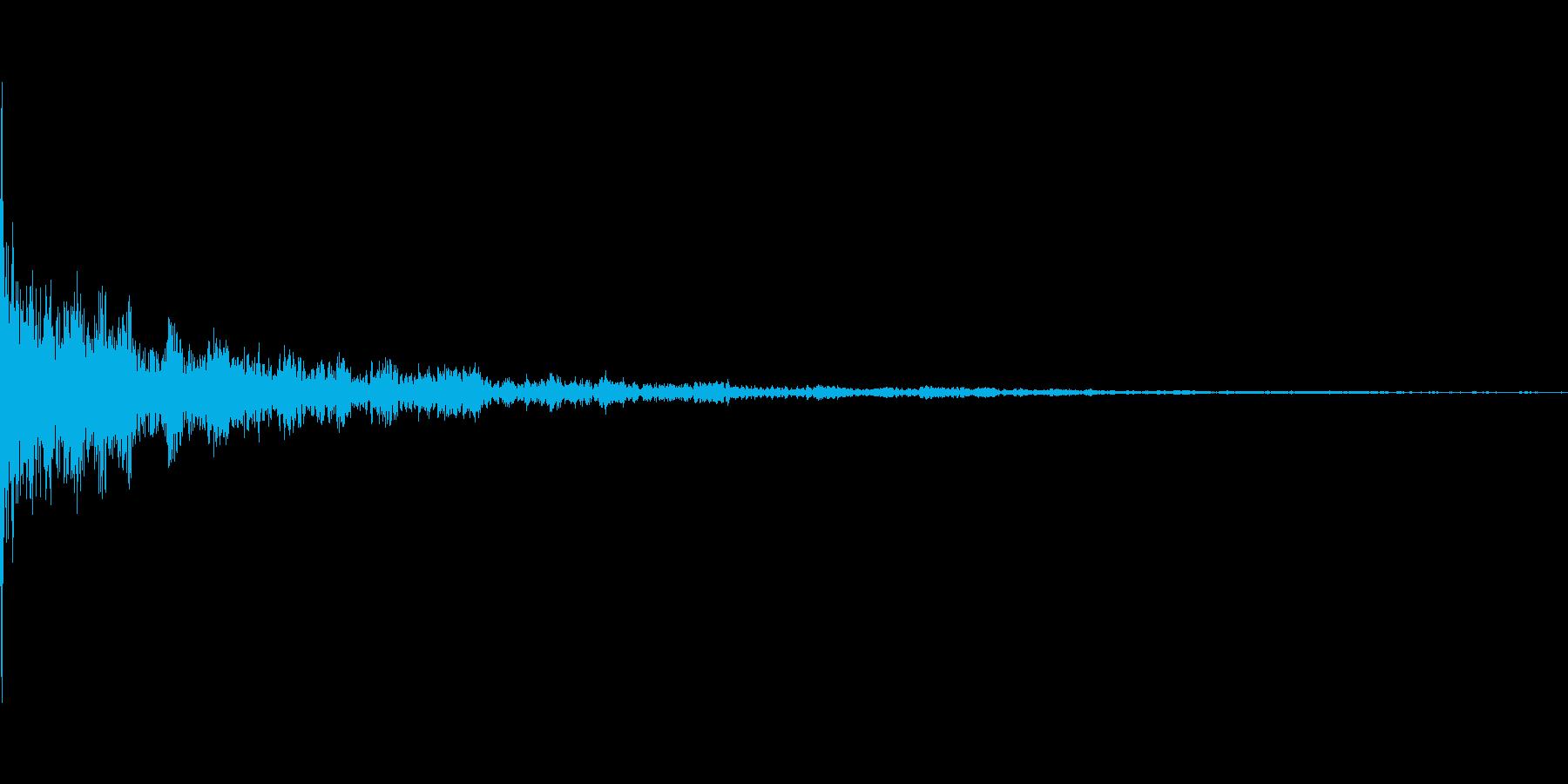 コーーーーン って音です。曲のアクセン…の再生済みの波形