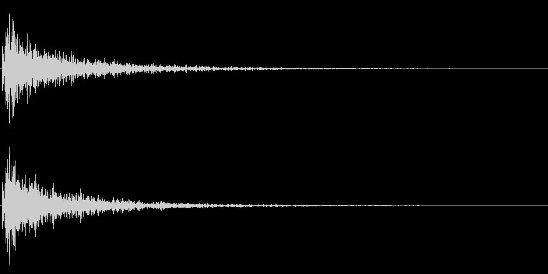 重い金属音。決定音やトレーラームービー等の未再生の波形