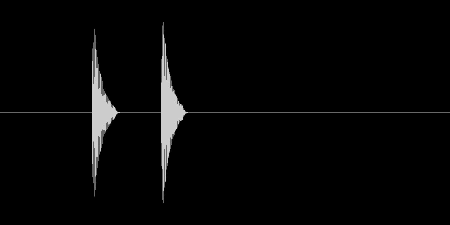 「トテッ」という効果音 の未再生の波形