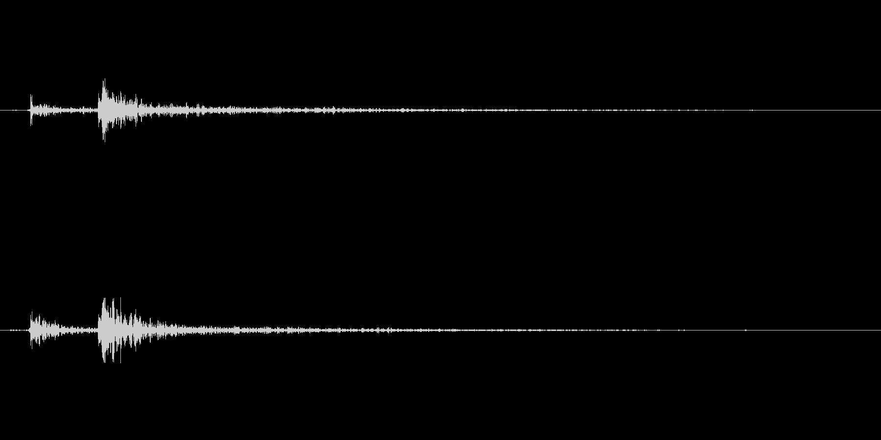 ドアを閉める音(エフェクト有り)の未再生の波形