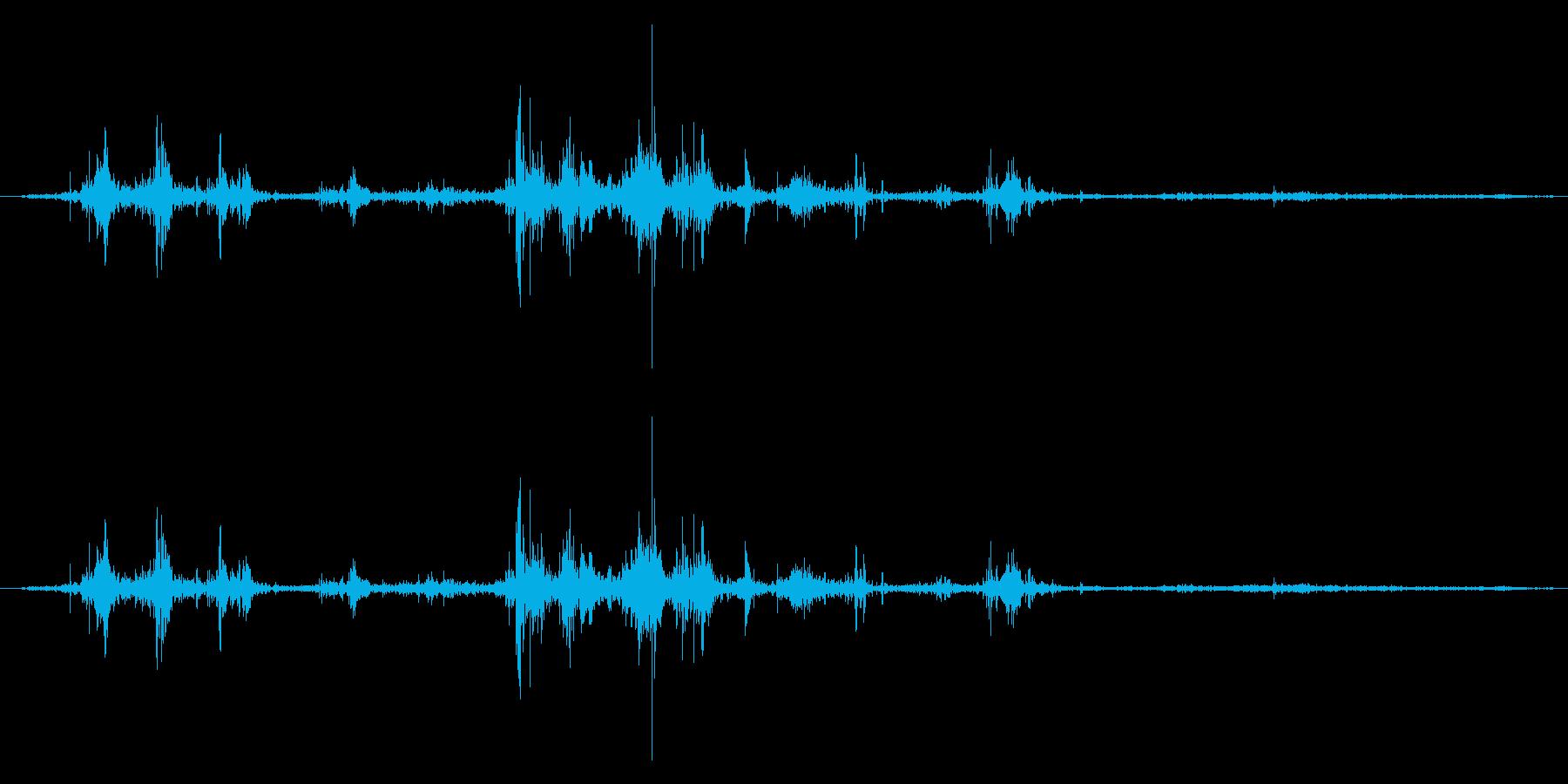 パタパタ!リアルな鳥の羽ばたき効果音!9の再生済みの波形