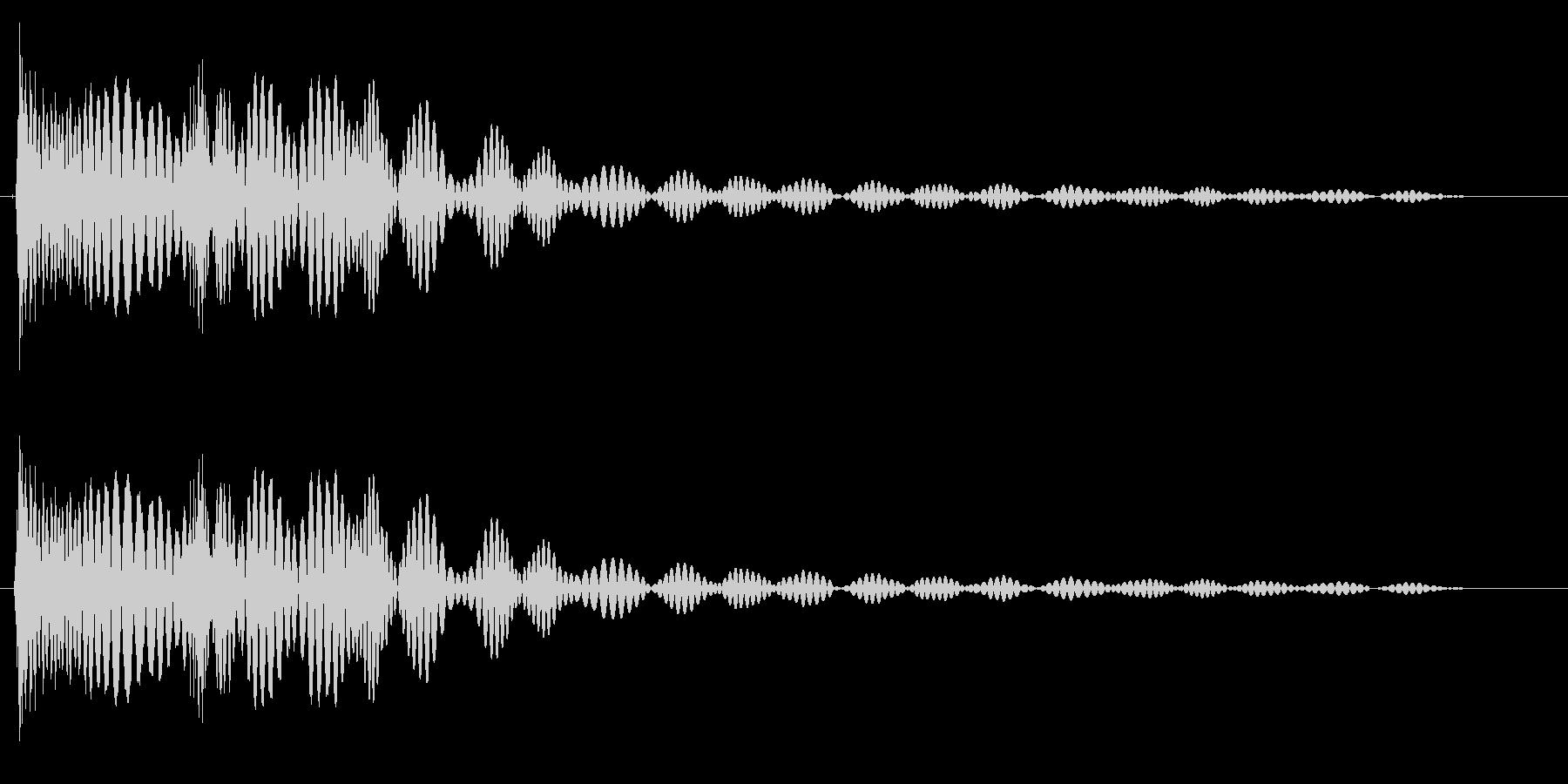 弾みのあるドテンッ(機械音)の未再生の波形