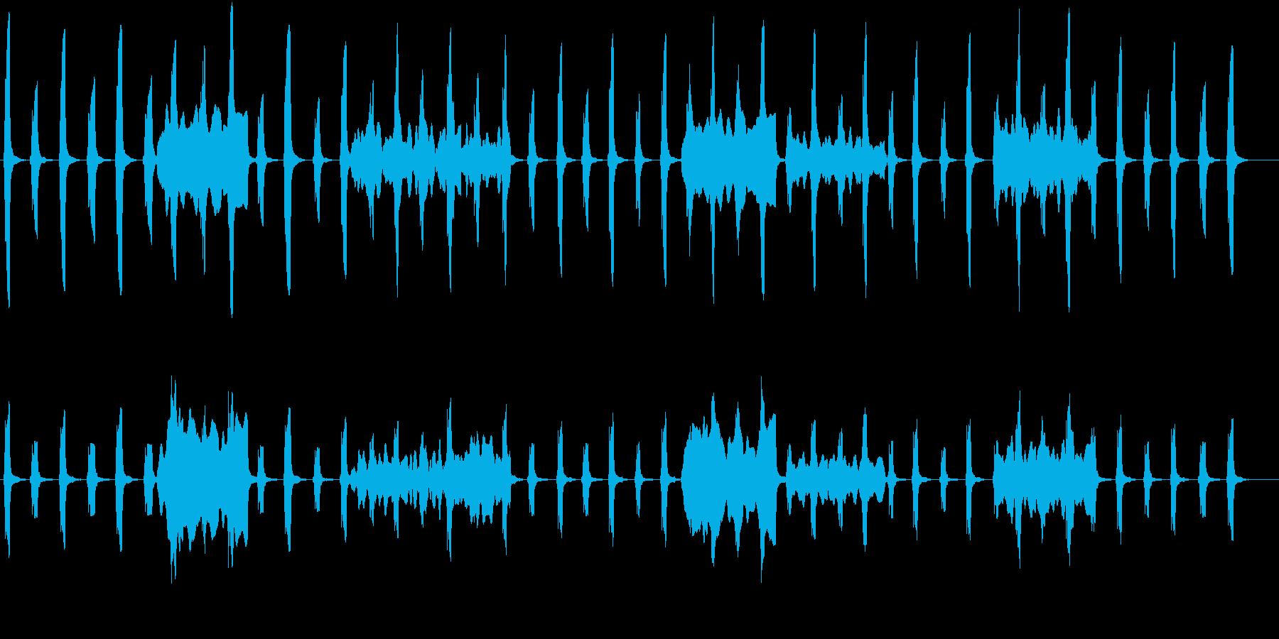 劇伴:低音ホルンがゆっくり一定に刻むの再生済みの波形
