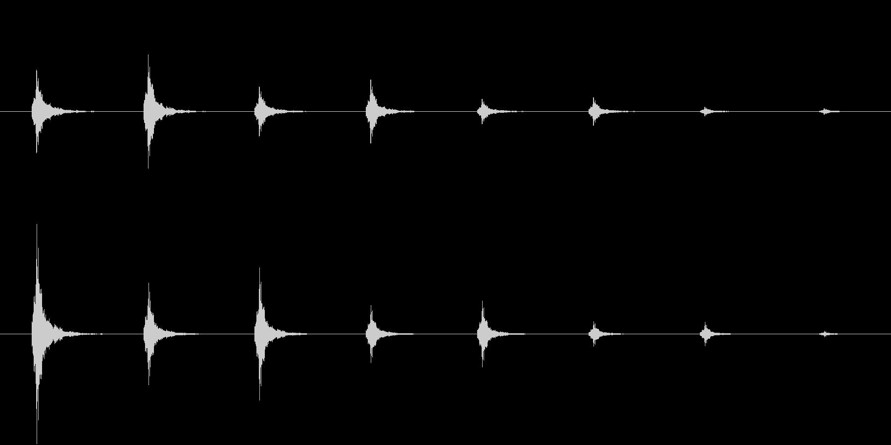 鈴の音が離れていく音(和風ホラー向け)の未再生の波形