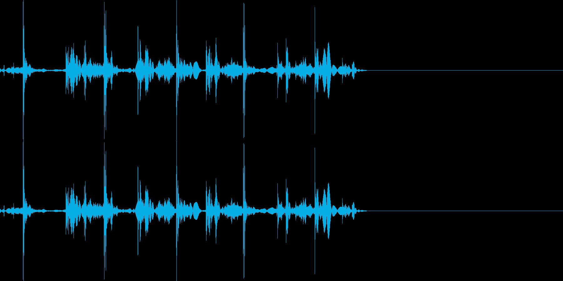 シュッシュッシュッ(トランプを配る)の再生済みの波形
