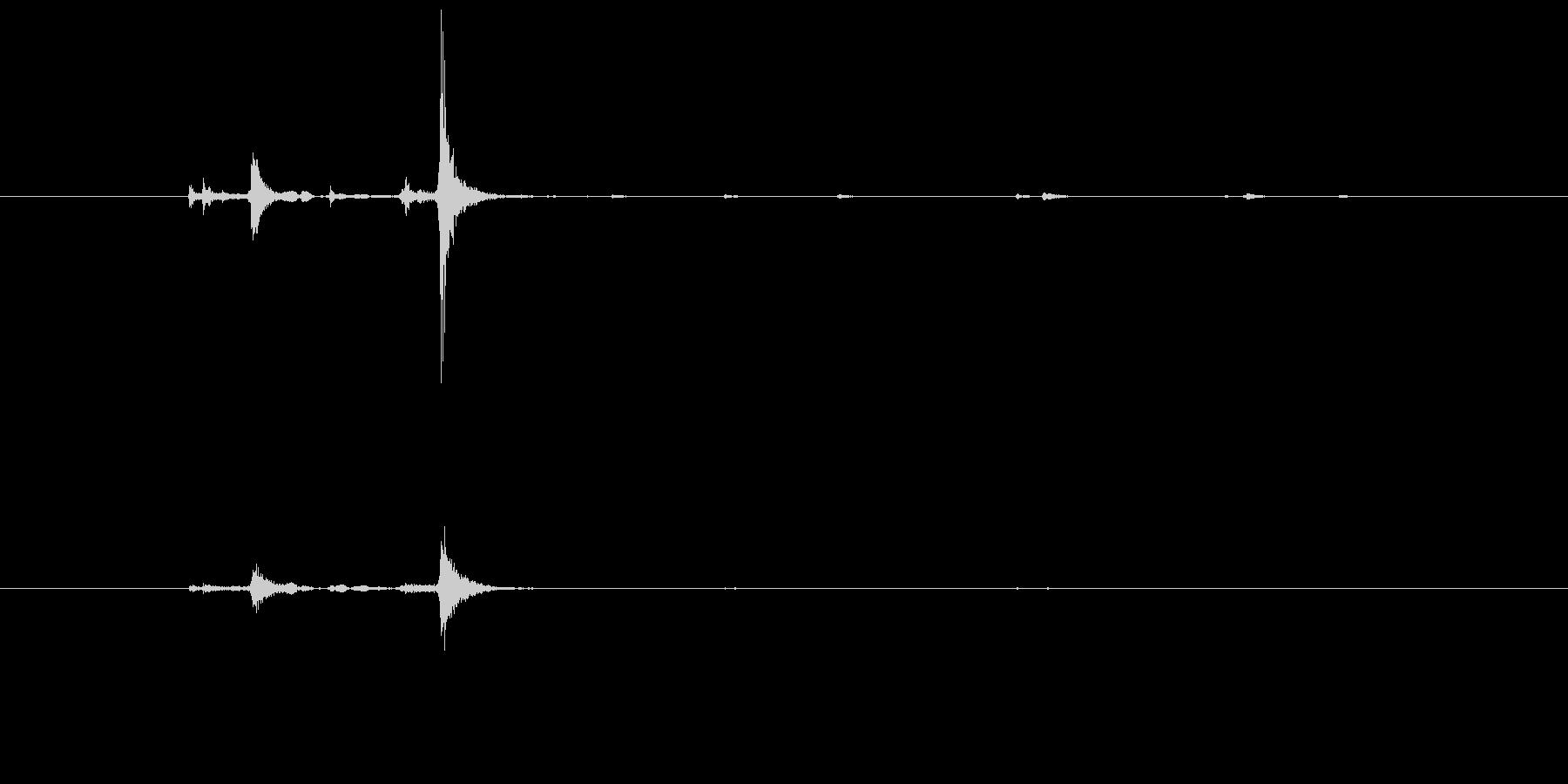 少し古いタイプのひもスイッチの音の未再生の波形