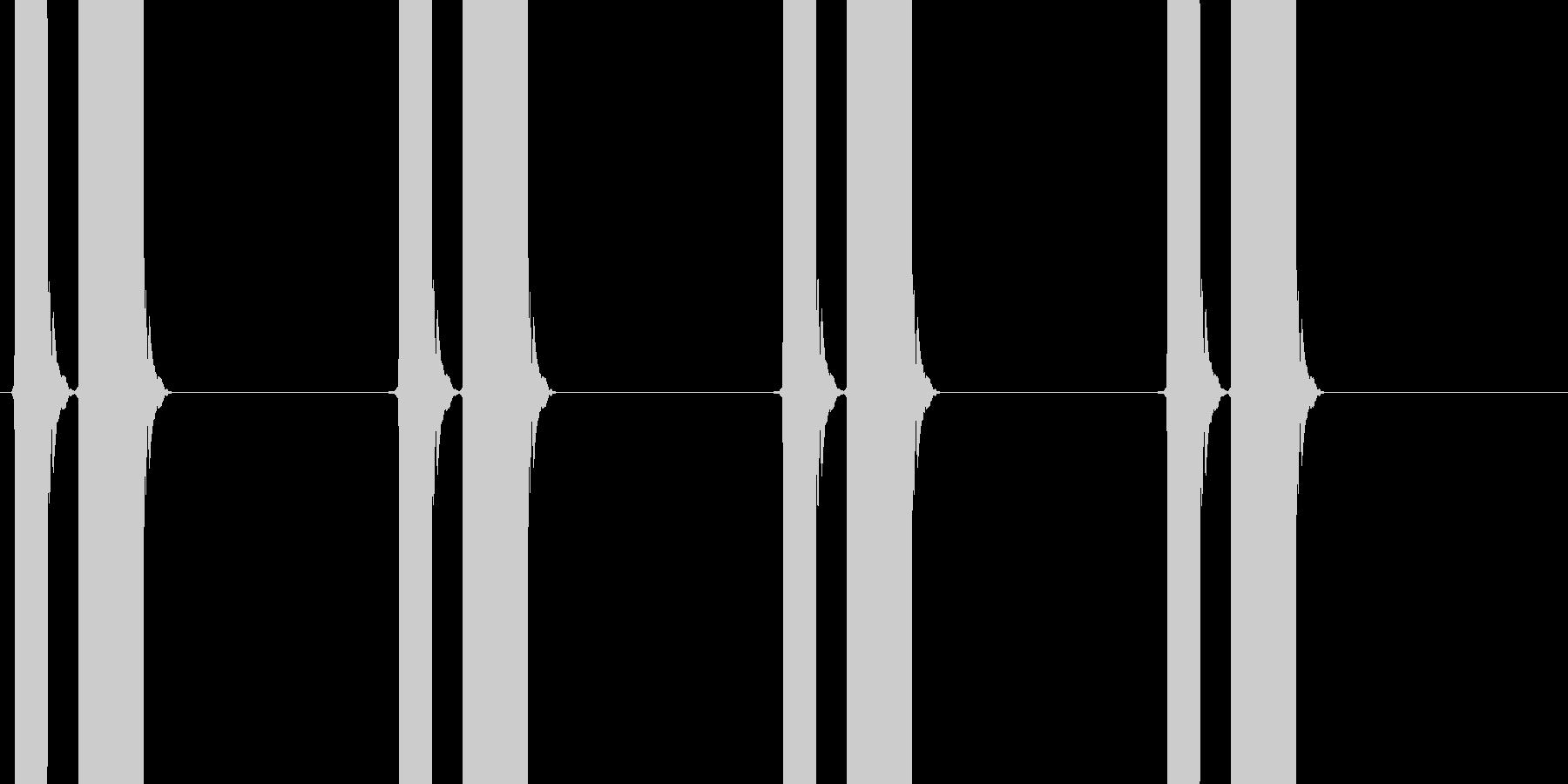 大型車のバック警報音「ピピーピピー」の未再生の波形