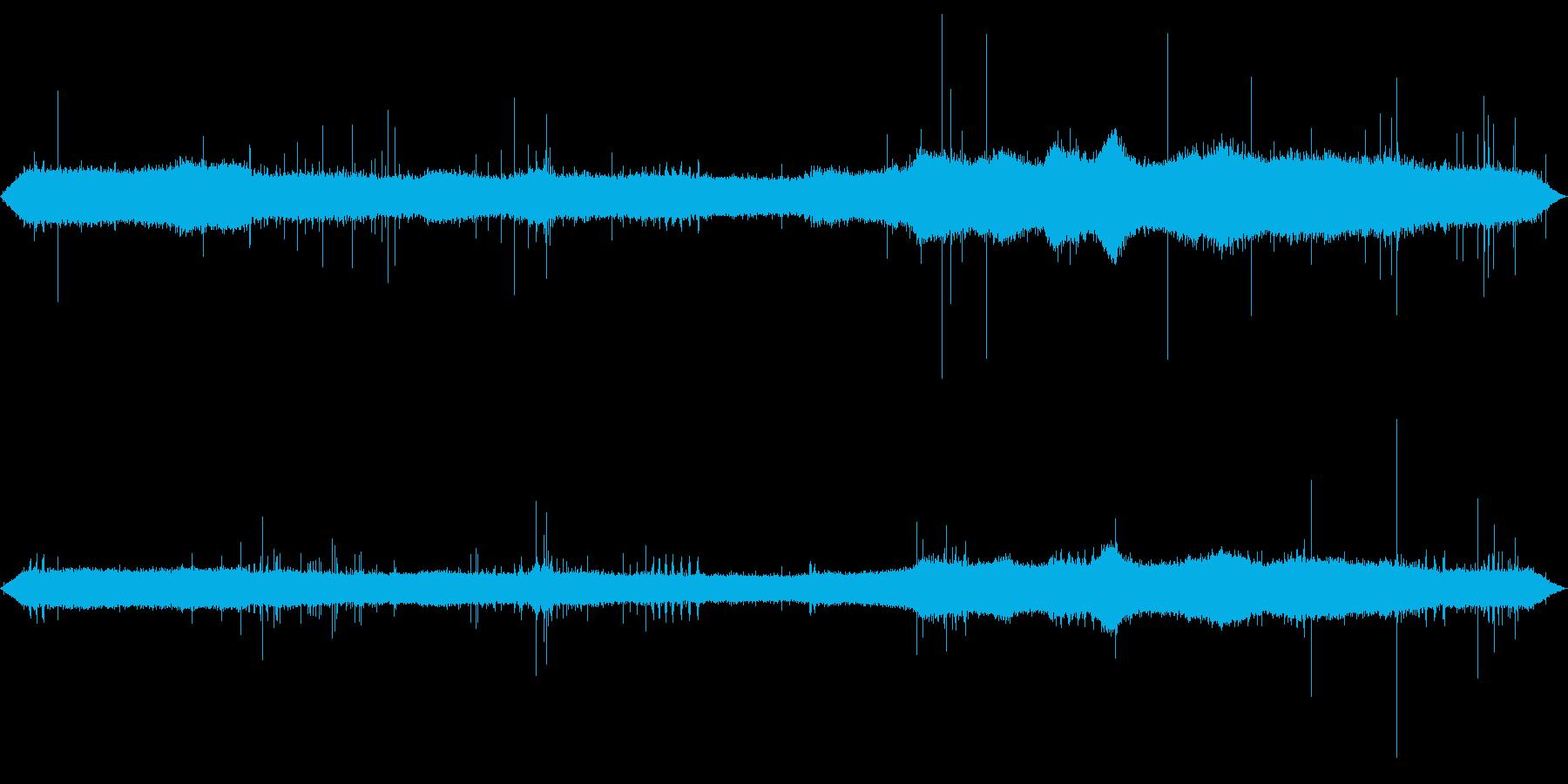 【自然音】雨の森01(押方)バイノーラルの再生済みの波形