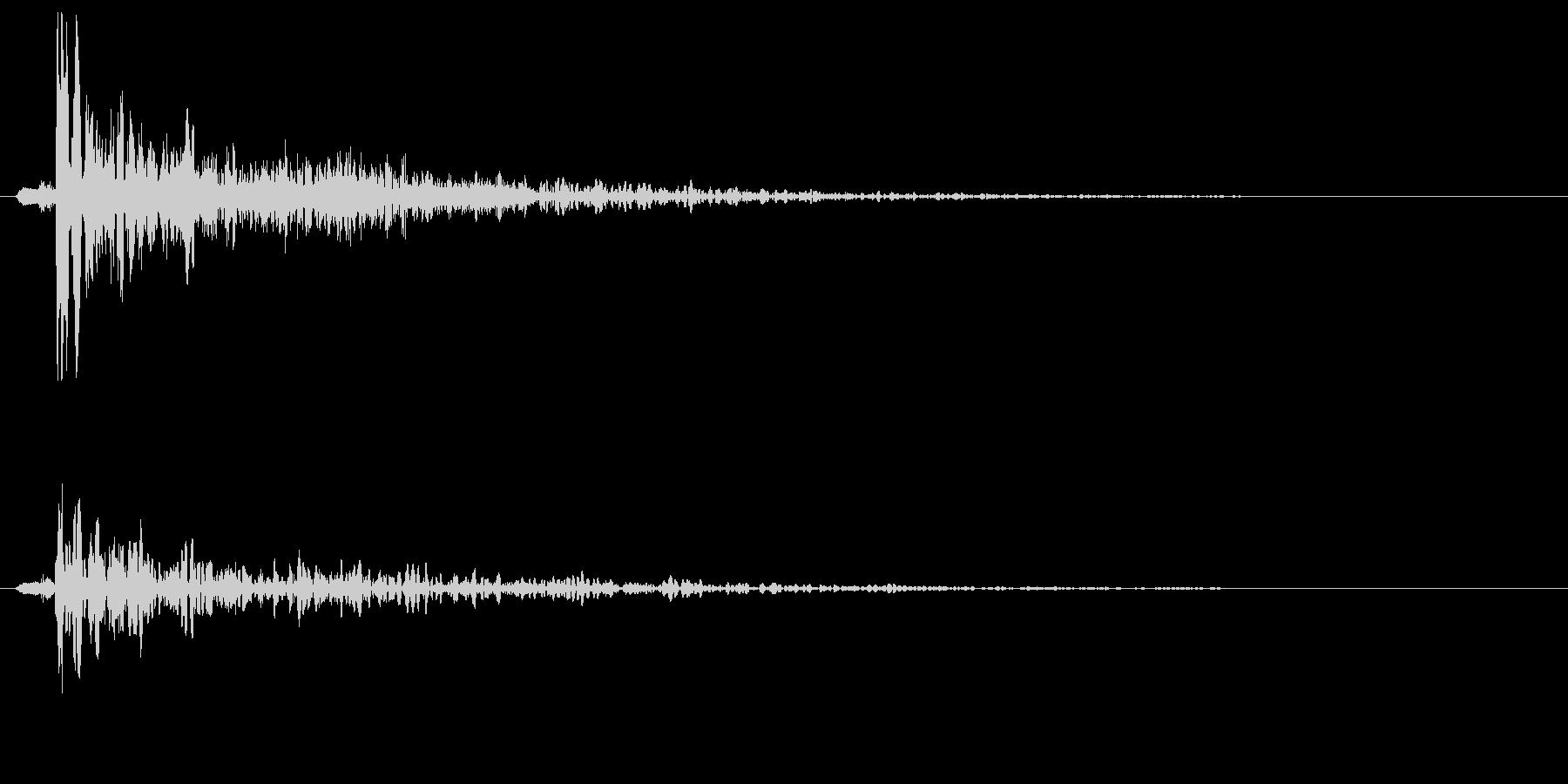 ボォン(未来武器の攻撃時の狙撃音)の未再生の波形