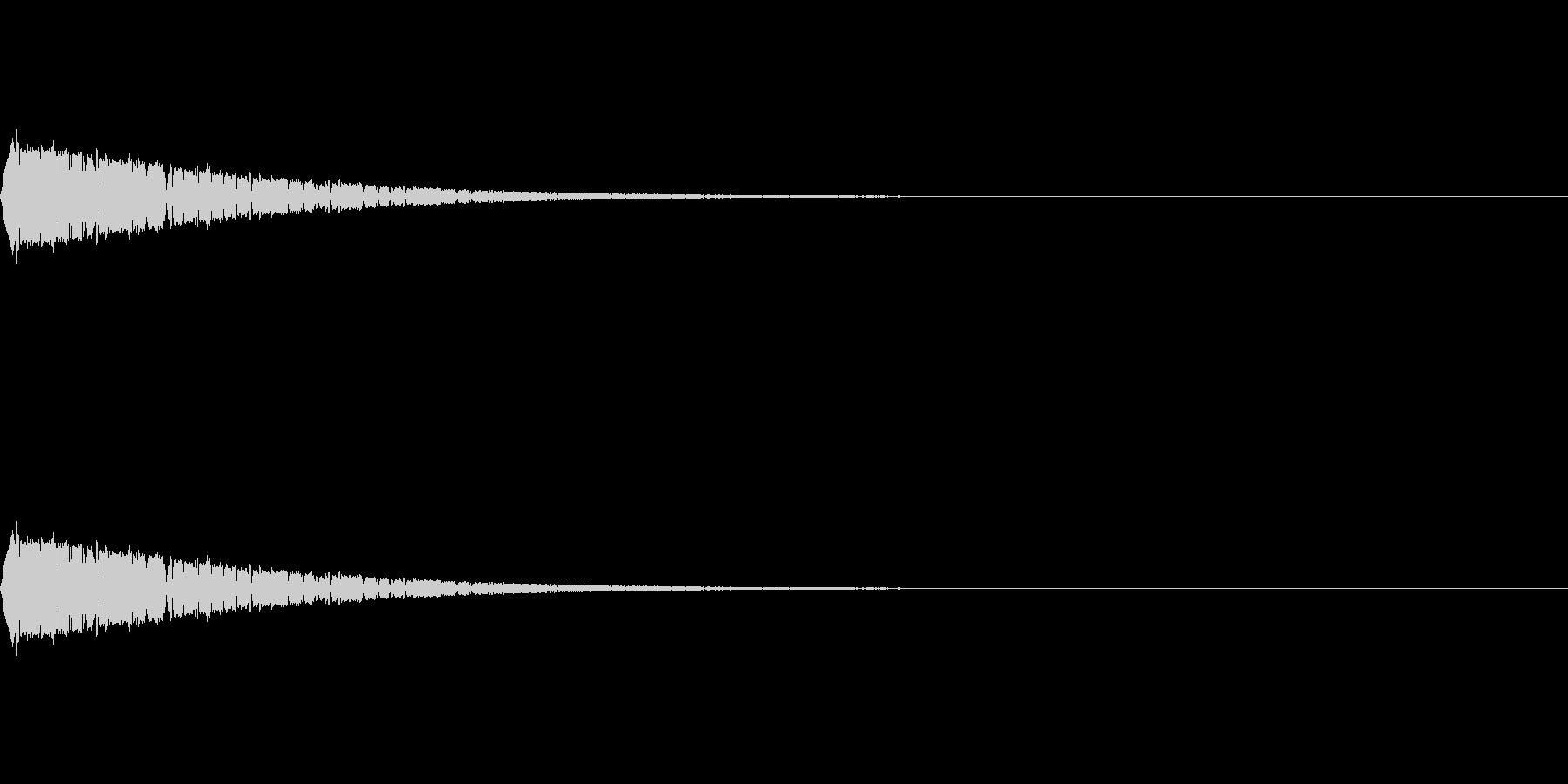 スプリングの様な跳ねるイメージです。の未再生の波形