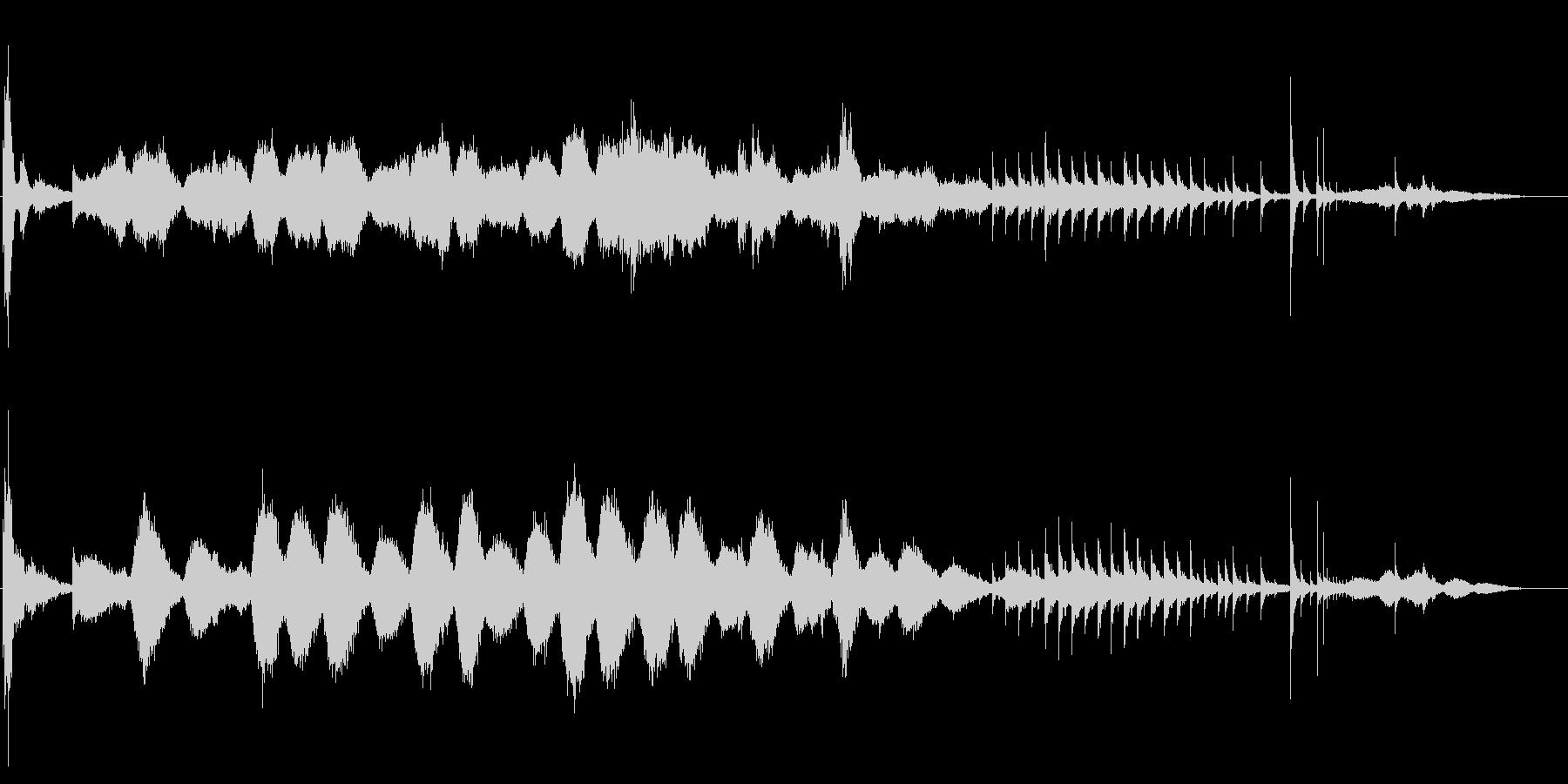 シンセサイザー主体の怪しいBGMの未再生の波形