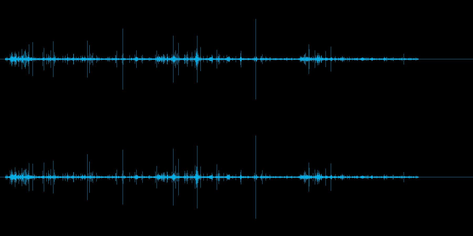 アナログレコードのノイズ音.SEの再生済みの波形
