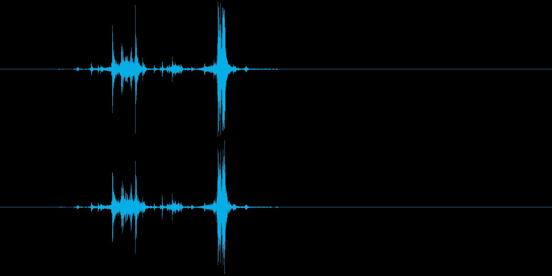 カッシャ(銃弾を装填する音02)の再生済みの波形