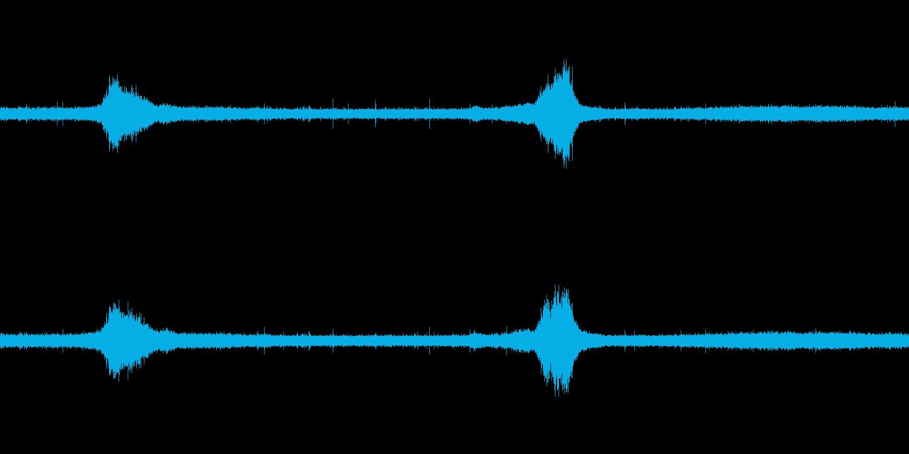 【生音】雨の日の通行音 - 2 雨 車…の再生済みの波形