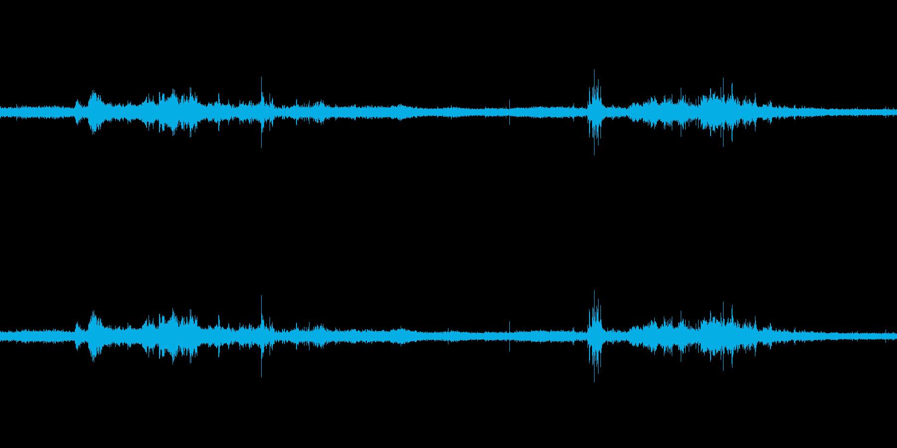 【生音】雷雨8 - 雨と雷と通行音 「…の再生済みの波形