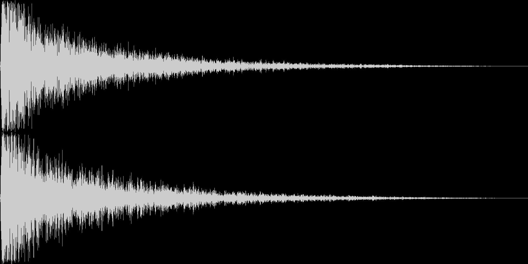 ガァァン。ショック・衝撃を受けた音(低)の未再生の波形