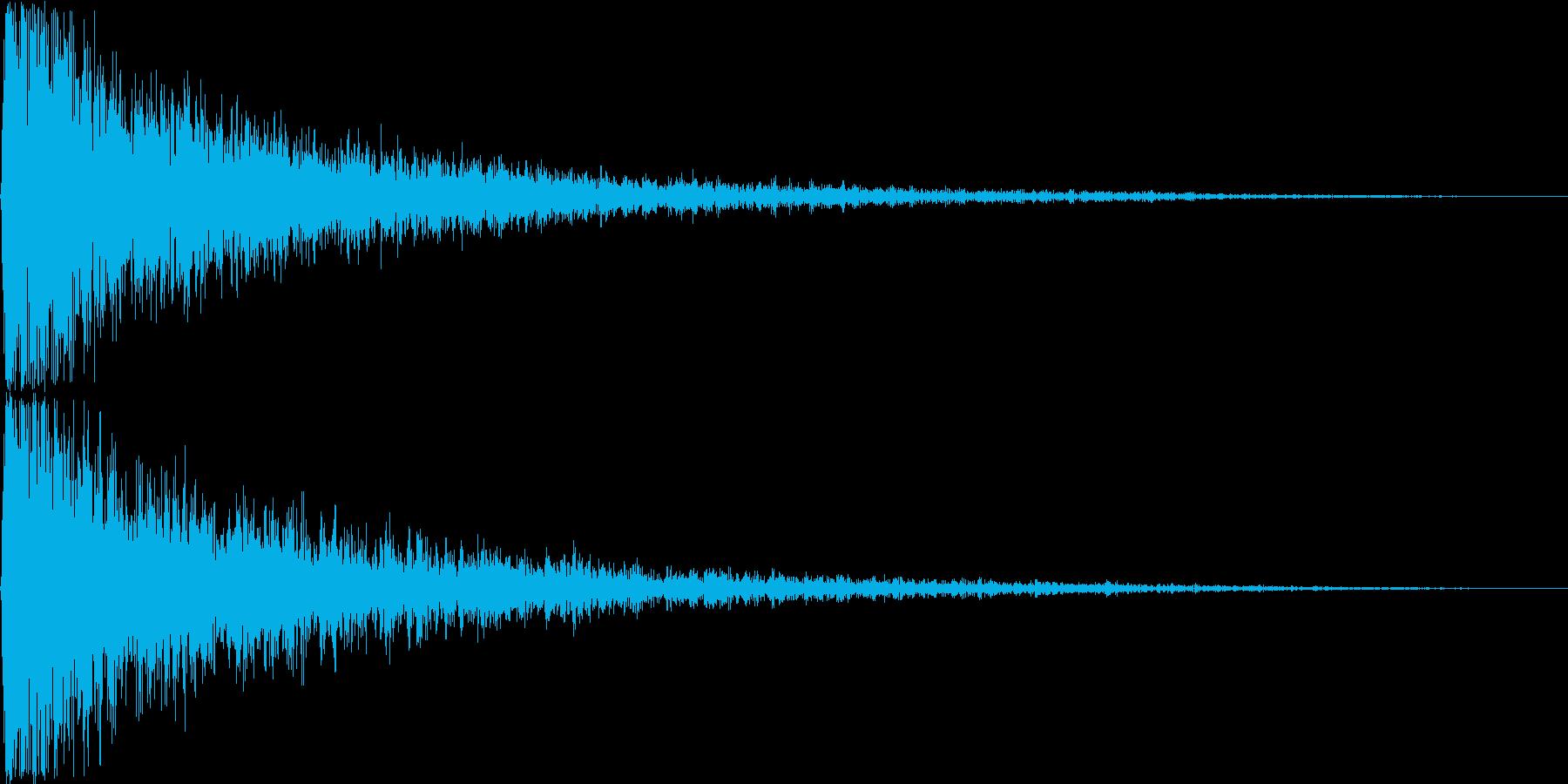 ガァァン。ショック・衝撃を受けた音(低)の再生済みの波形