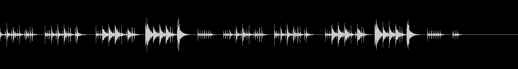 打楽器のみのちょっとコミカルな曲の未再生の波形
