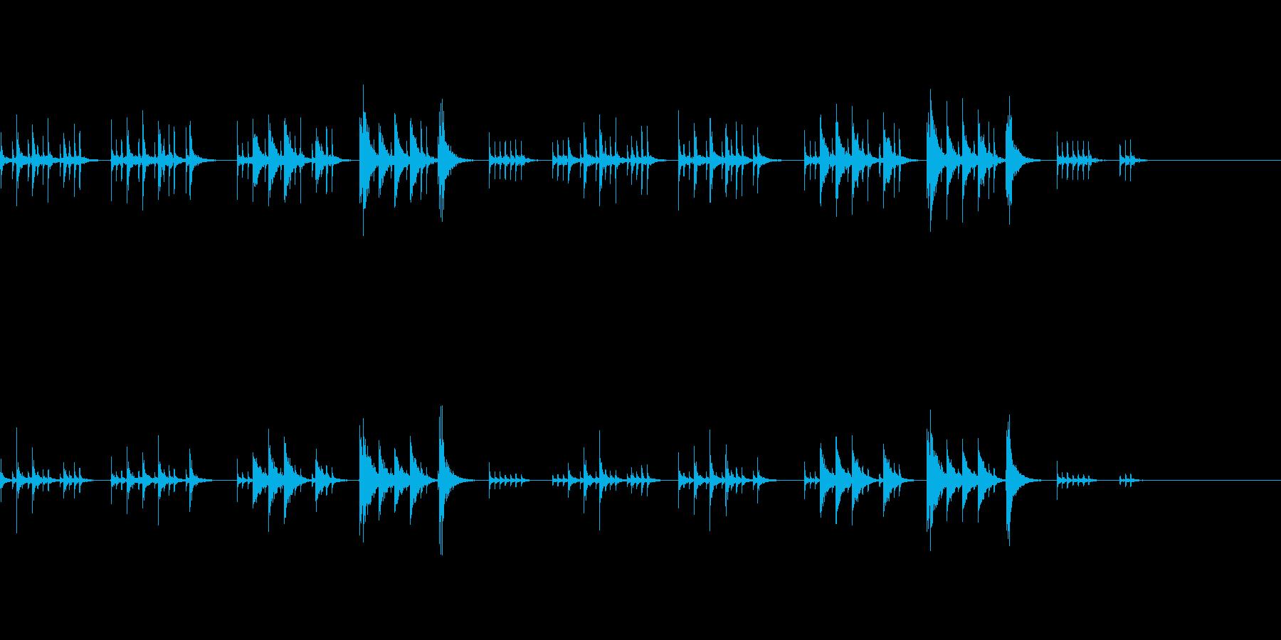 打楽器のみのちょっとコミカルな曲の再生済みの波形