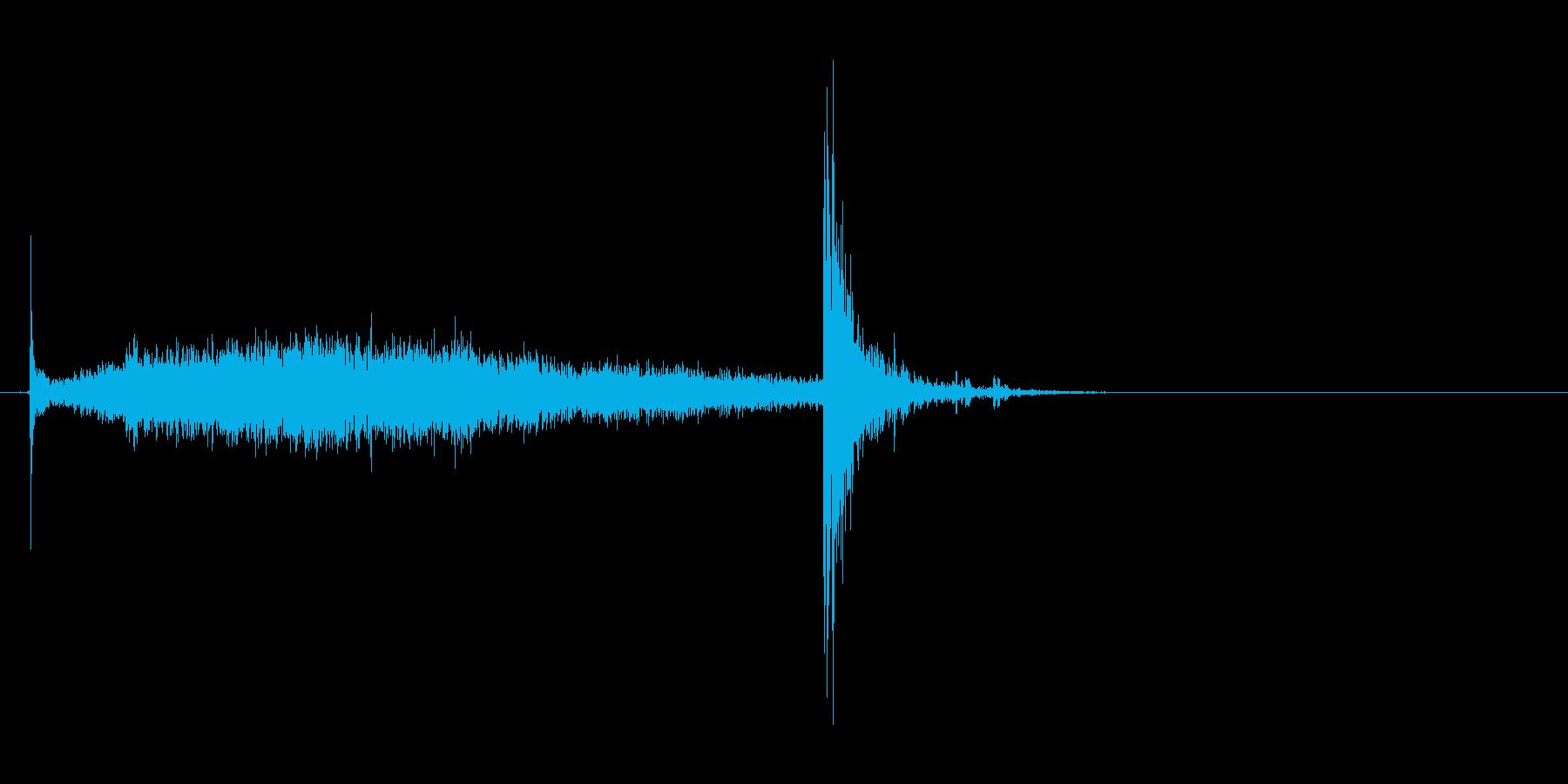 ふすまを閉める音(シャーッ→ピシャン)の再生済みの波形