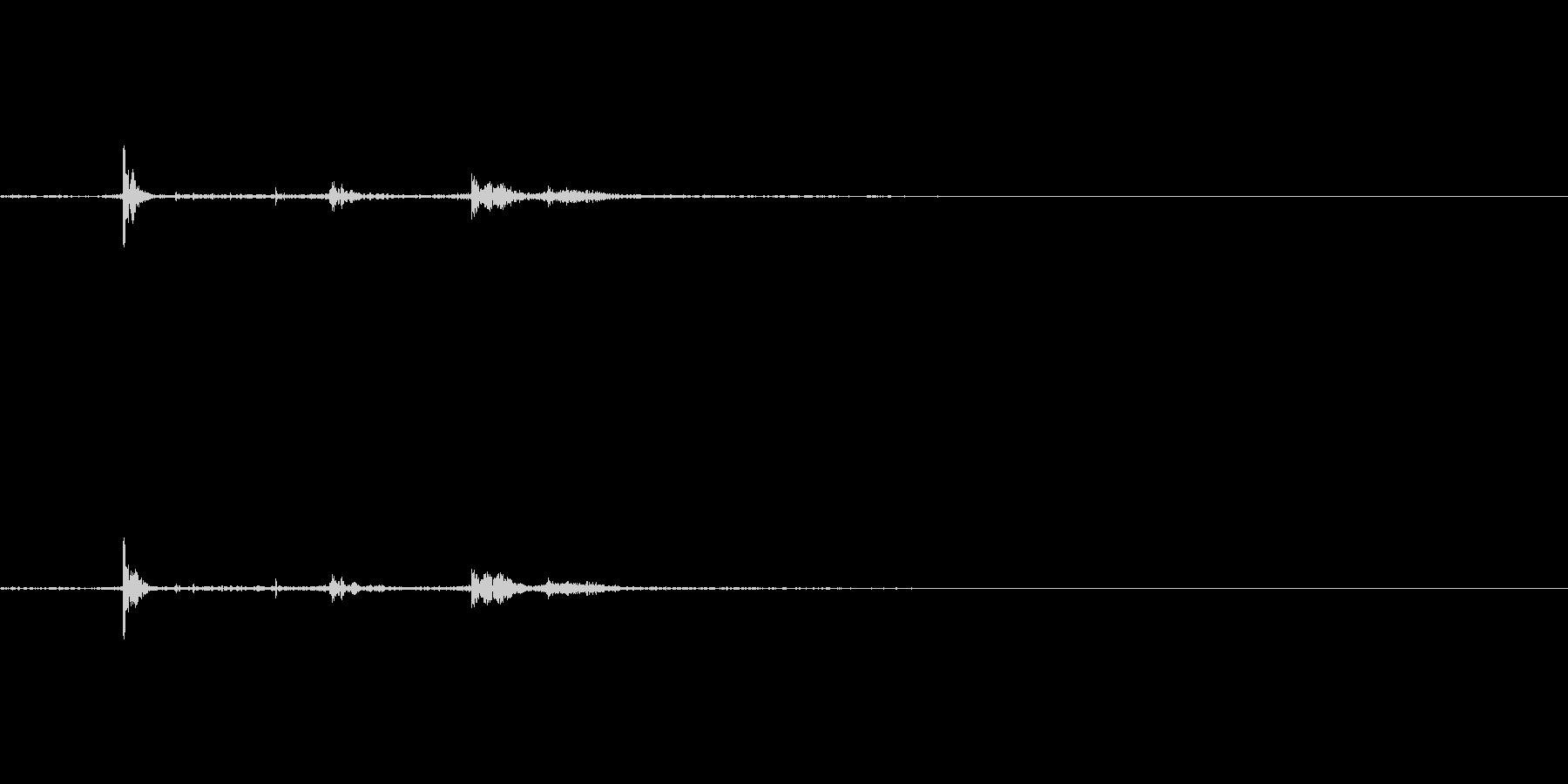 つまずく・慌てる(物音)の未再生の波形