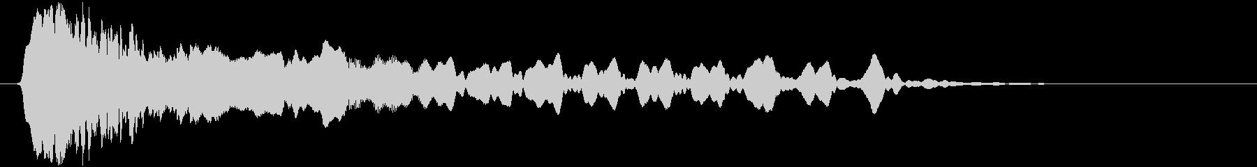 トンビ(トビ、鳶)ヒィーョロロロの未再生の波形